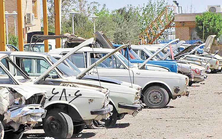 الزام خودروسازان به اسقاط