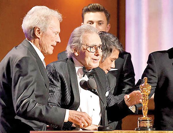اهدای جوایز اسکار افتخاری بدون فرش قرمز