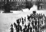 ورود کارگران انقلابی به کاخ زمستانی