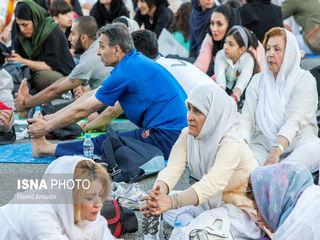 گردهمایی یوگا - بام تهران