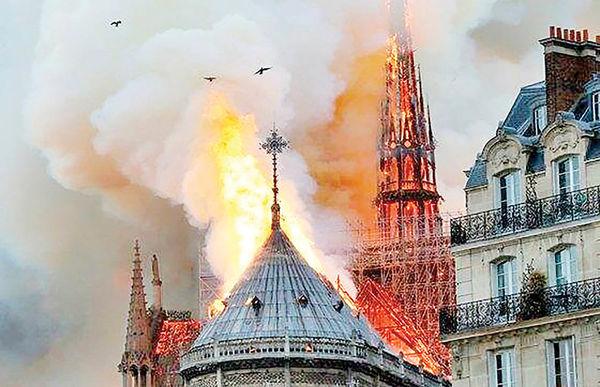 افزایش فروش رمان گوژپشت نوتردام بعد از حادثه کلیسای پاریس