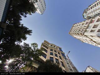 تهران زیر پای برجها