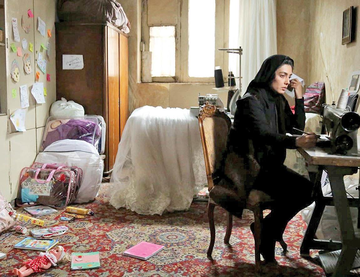 نمایش فیلم «یک کیلو و بیستویک گرم» در فرهنگسرای ابن سینا