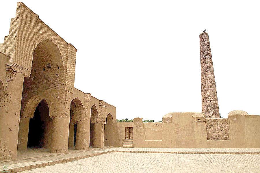 موزهای باستانی زیر کفشها
