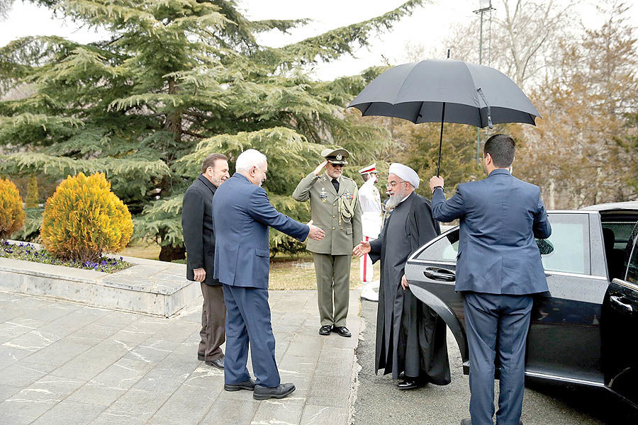 بازگشت ظریف در روز بارانی
