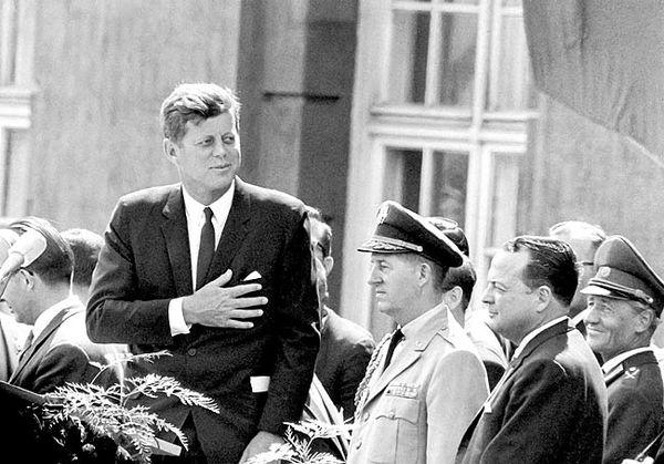 رمزگشایی از معمای ترور کندی؟