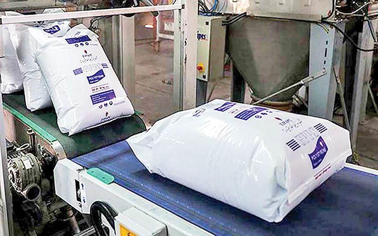نابودی صنایع با خروج محصولات پتروشیمی از بورس