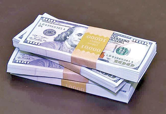 مخاطرات پیشروی بازار دلار