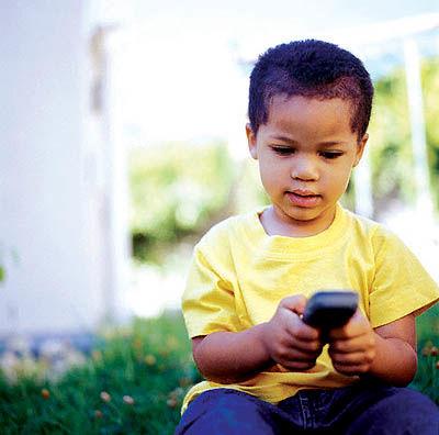 در چه سنی میتوان از تلفن همراه استفاده کرد؟