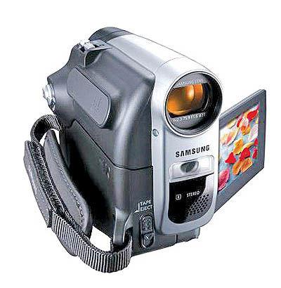 دوربین فیلمبرداری با قدرت زوم متفاوت