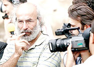 کیانوش عیاری با شاگردان کیارستمی فیلم میسازد