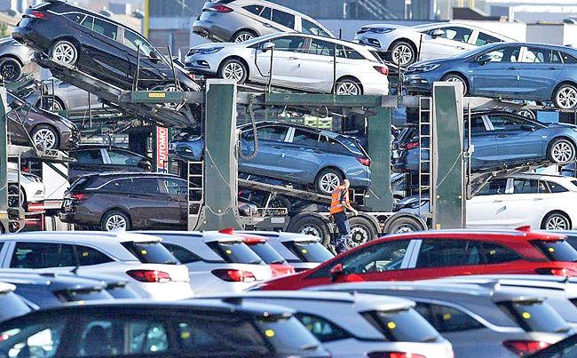 جدال خودرویی ترامپ و ترودو