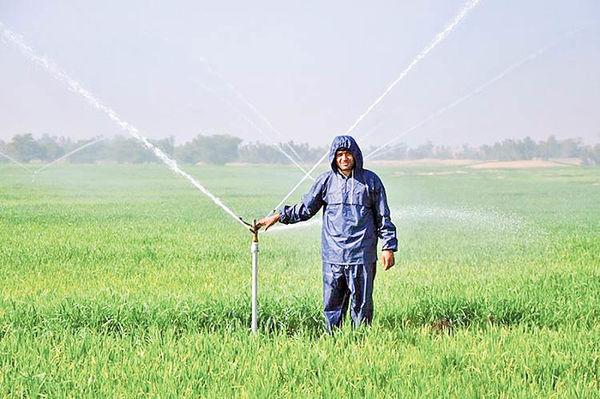 آبیاری نوین زمینهای کشاورزی