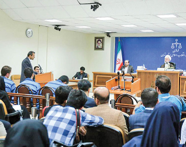 محاکمه واردکنندگان موبایل