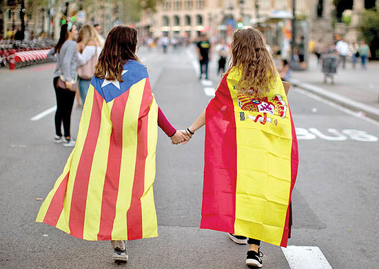 اسپانیا روی بشکه باروت