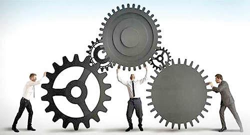 سه نمای صنعتی بازار کار