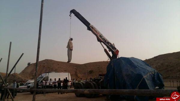 قاتل امام جمعه کازرون به دار آویخته شد+تصاویر