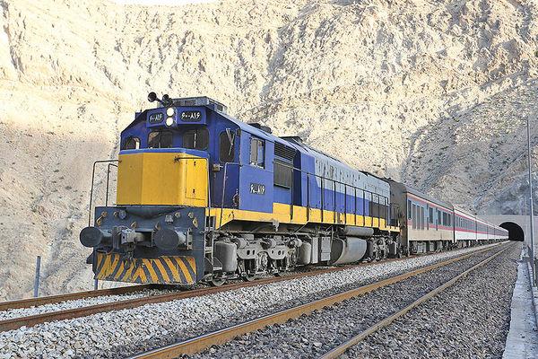 توسعه قطارهای حومهای و محلی در شهرستانهای کشور