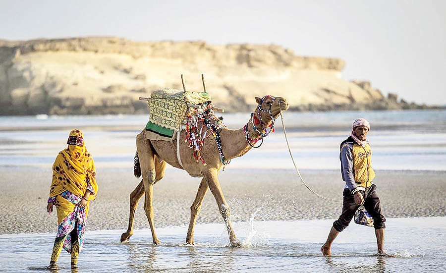 گشت کوتاه در بزرگترین جزیره ایران
