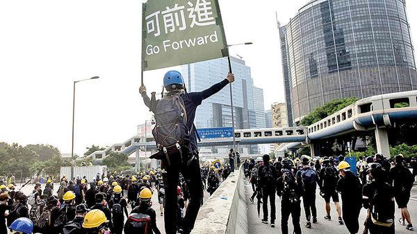 بازداشت رهبران جنبش هنگکنگ