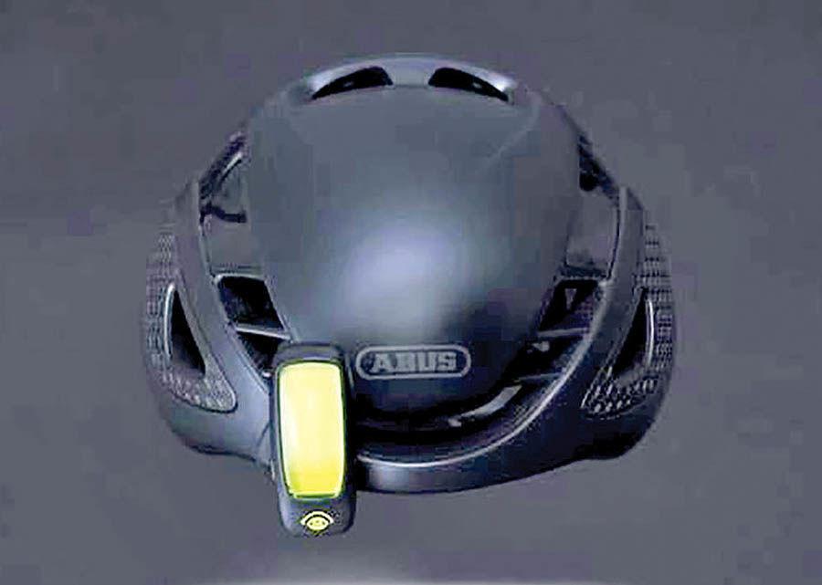 نخستین نمایشگر کلاه ایمنی دوچرخهسواران ساخته شد