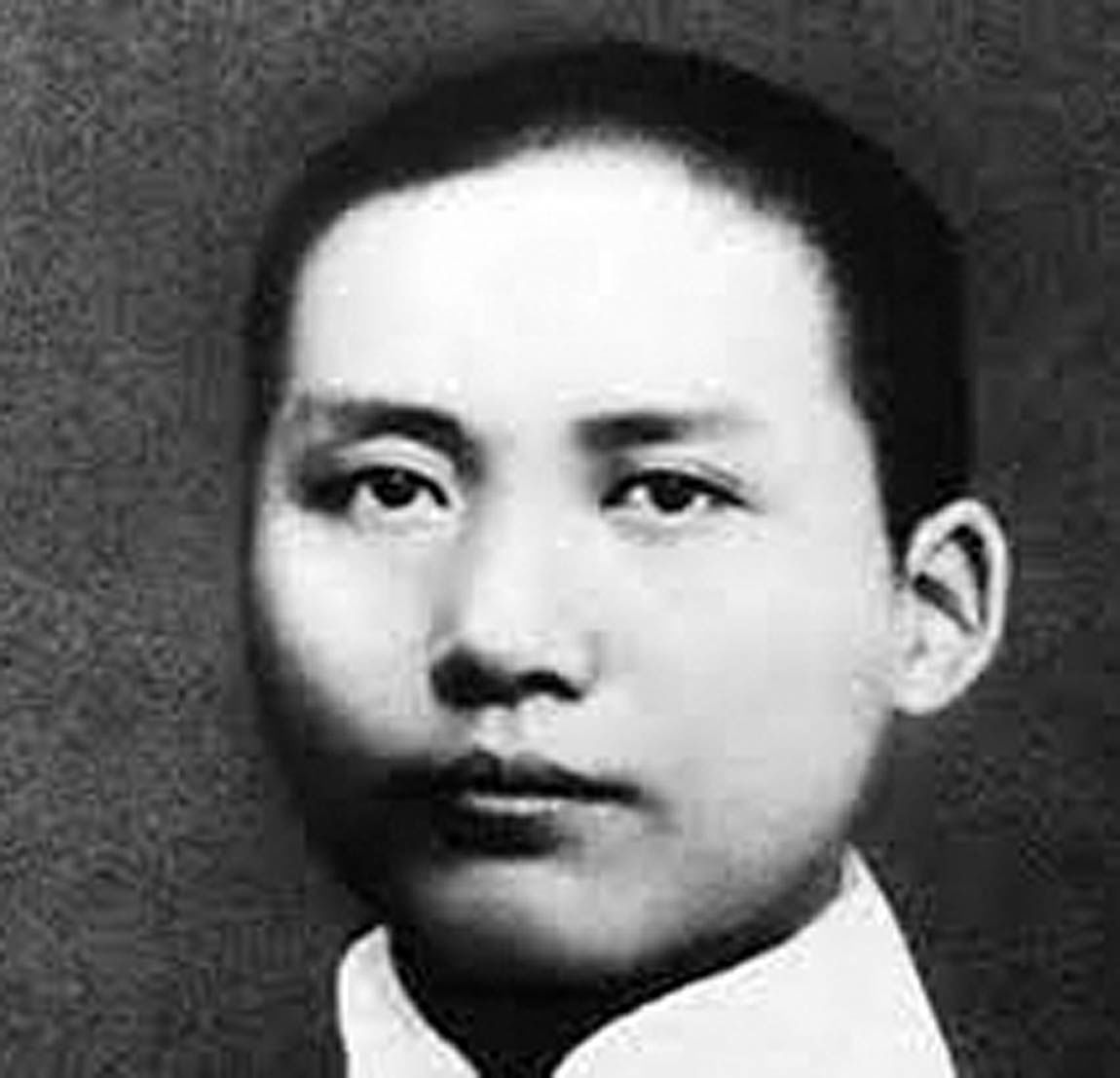 تولد رهبر انقلاب چین