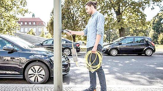 کاهش یارانه خودروهای برقی در بریتانیا