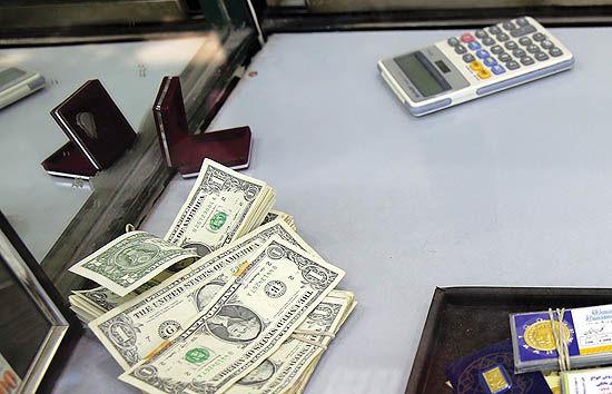 بازار ارز دلارباران شد