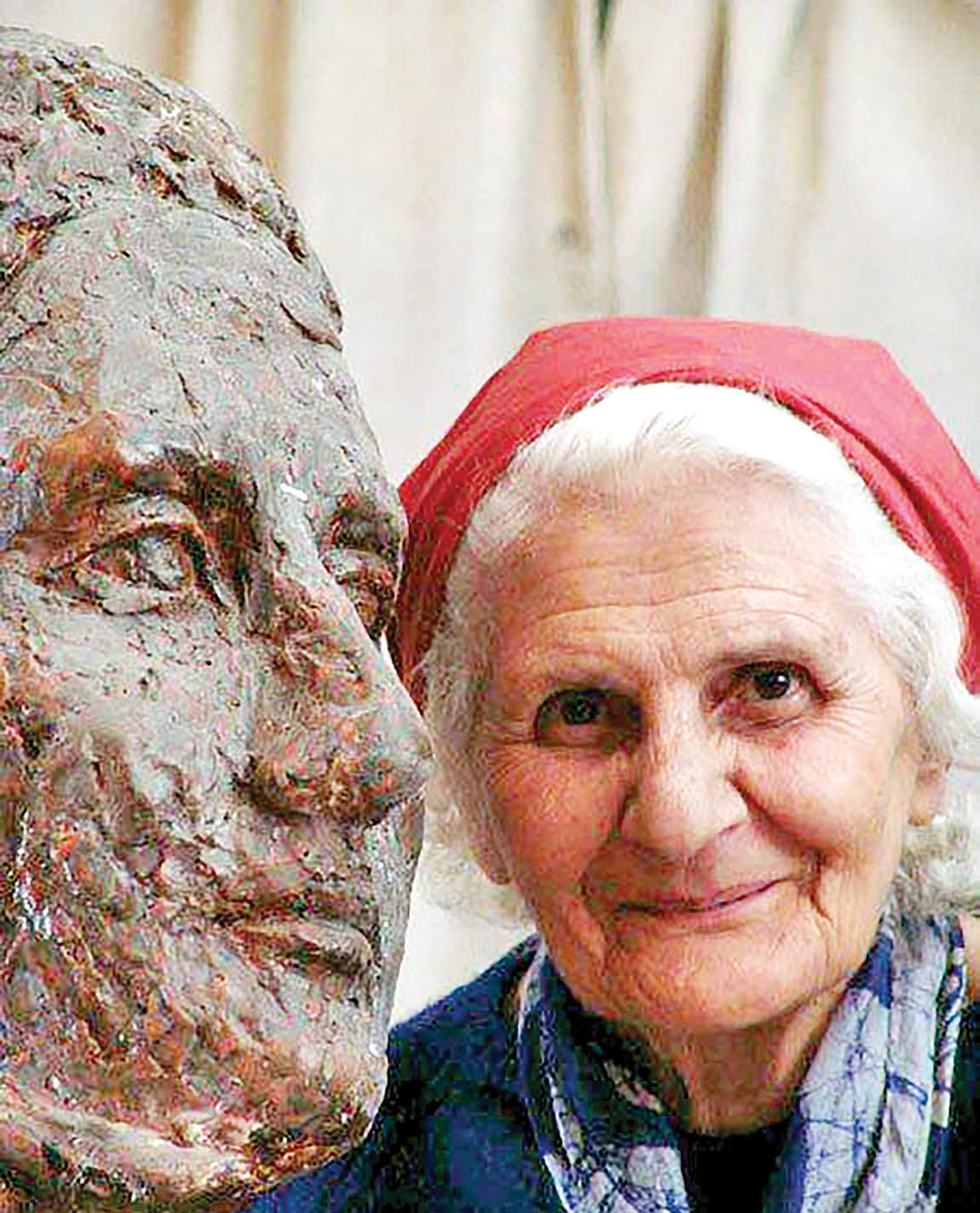 درگذشت مادر مجسمهسازی ایران