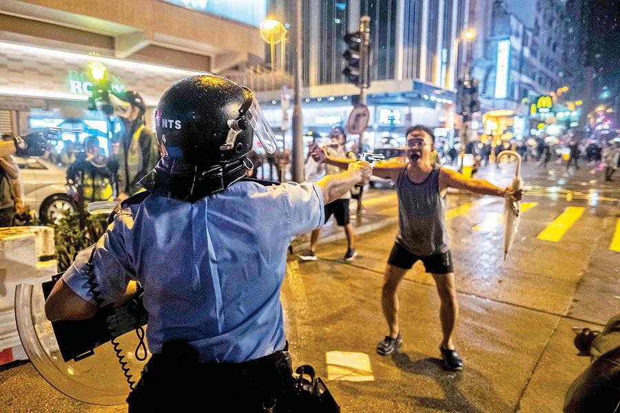 عکس جنجالی از شورش هنگکنگ