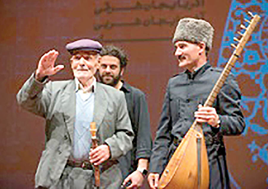 باربری نوازنده 70 ساله موسیقی نواحی در میانه