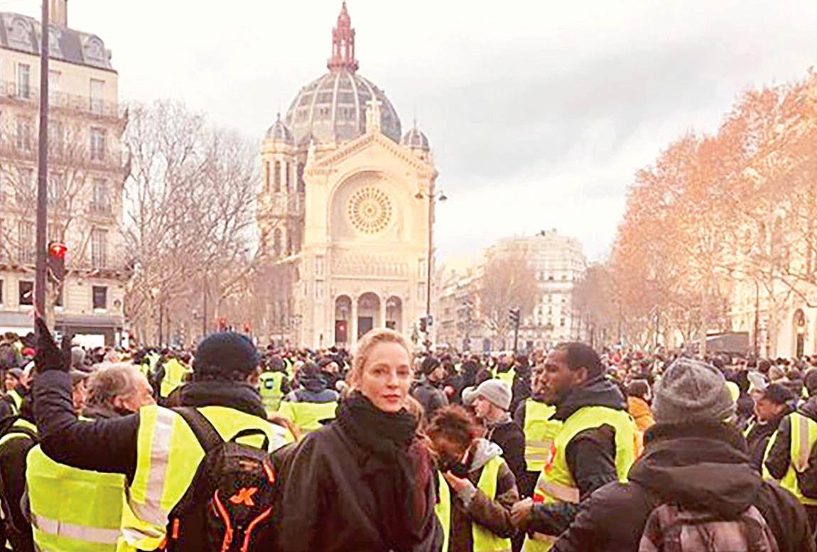حضور بازیگر «بیل را بکش» در تظاهرات پاریس