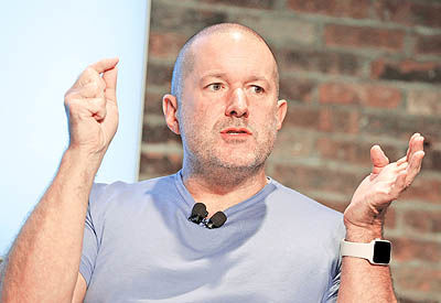 آیفون به روایت میکلآنژ اپل