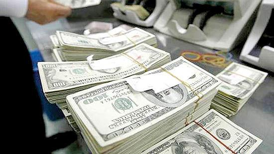 گرفتاری دلار در مرز روانی