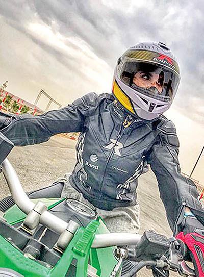 جنجال گواهینامه موتورسواری زنان