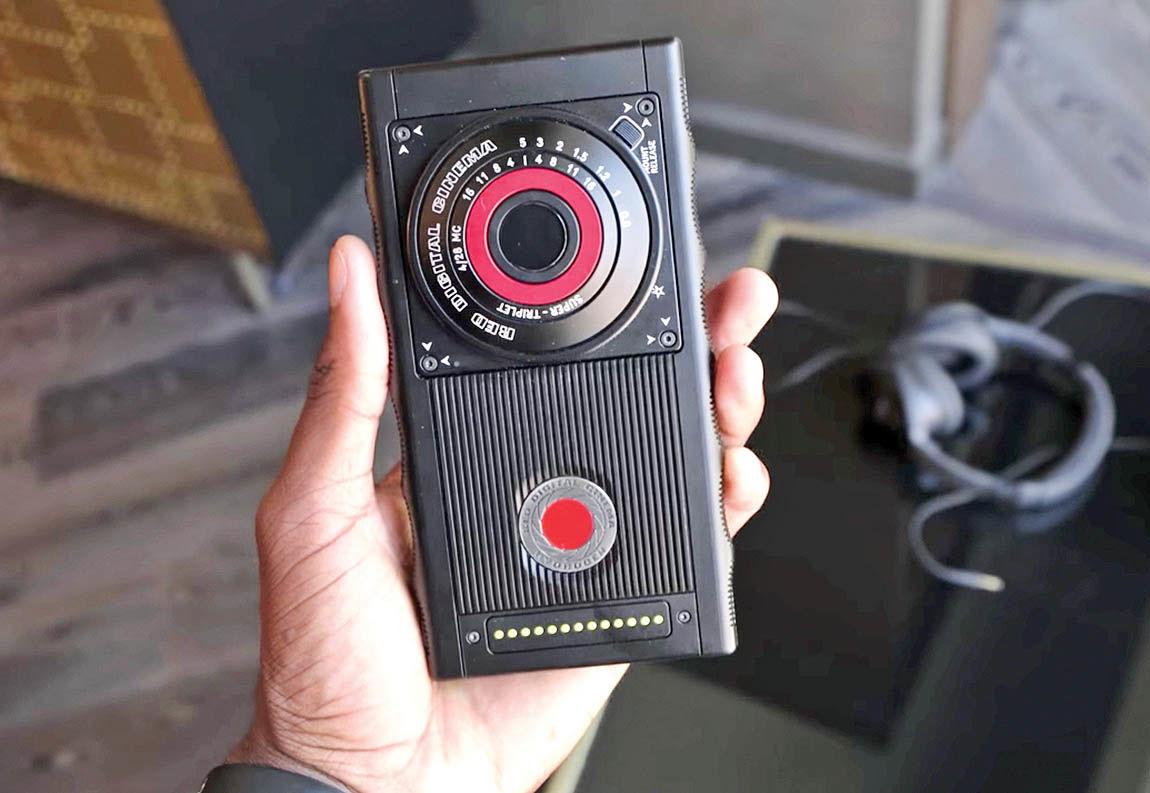 گوشی همراه تولیدکننده تصاویر سهبعدی