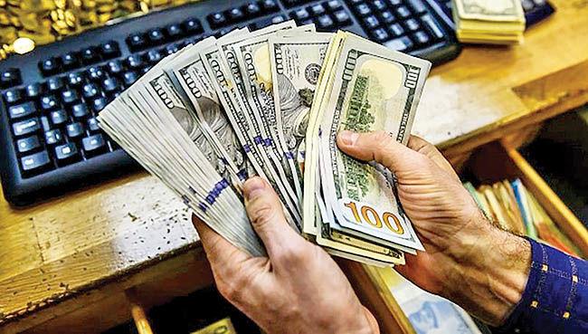 نوسان دلار در مرز 10 هزار