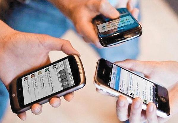 کاهش درآمد اپراتورها از پیامک و تماس تلفنی