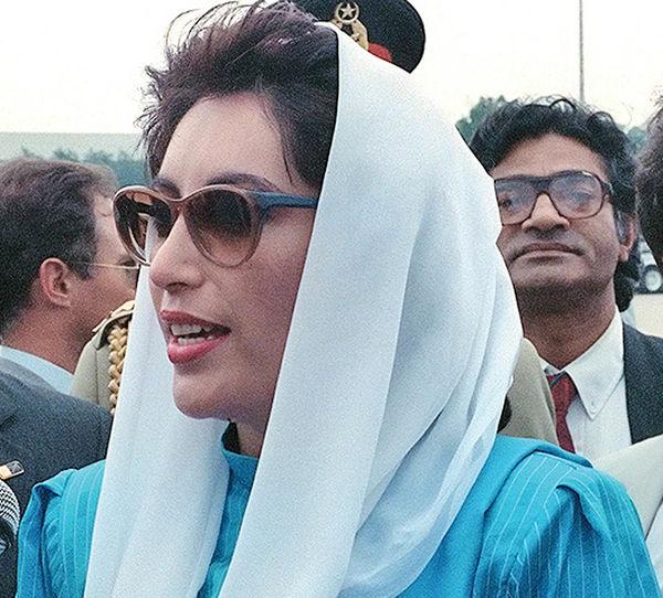 بینظیر بوتو نخستوزیر پاکستان شد