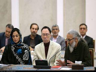 دیدار صمیمی روحانی با جمعی از اصحاب فرهنگ و هنر